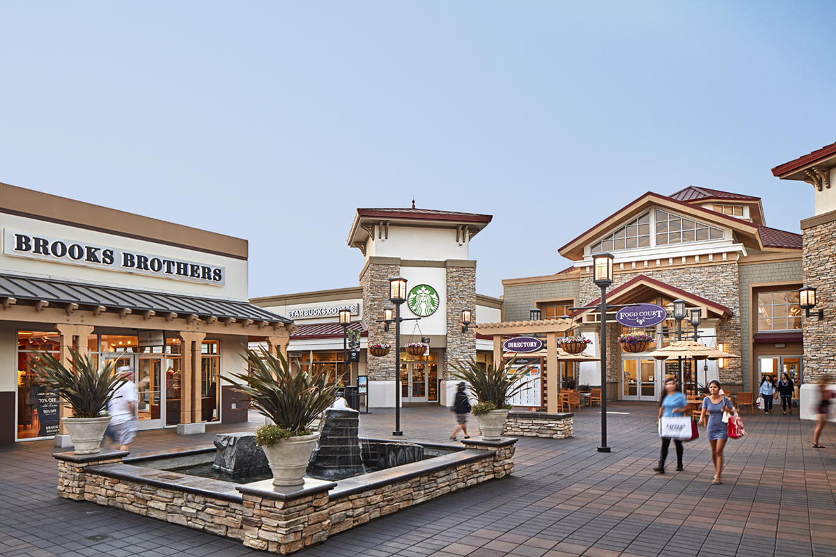 083115_SF_OUTLETS_0158.jpg